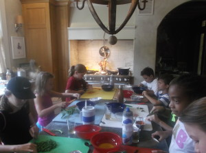 kids cooking fritatta